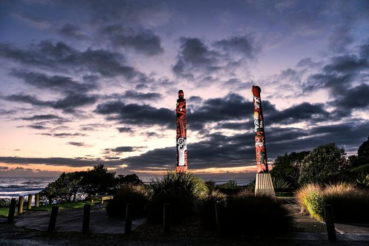 ©Neil Hutton _ Opotiki pou sunrise